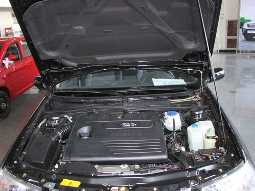 奇瑞  1.5L 手动 发动机局部特写