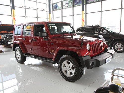 Jeep吉普  撒哈拉 3.6 AT 车辆右侧45度角