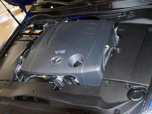 雷克萨斯  IS250 F-Sport 2.5 AT 发动机主体特写