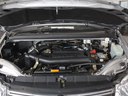 风行汽车  菱智 1.6 MT 发动机局部特写