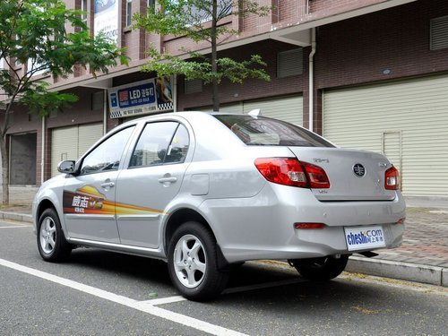 天津一汽 威志v5 1.5 mt 車輛左后45度視角高清圖片
