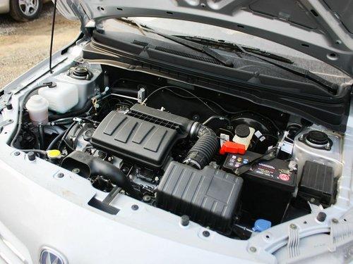 长安乘用车  1.3L 手动 发动机主体特写