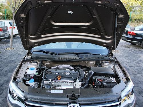 一汽-大众  1.4T 手动 发动机局部特写