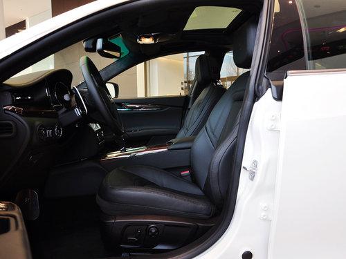 玛莎拉蒂  3.8T 驾驶席座椅正视图