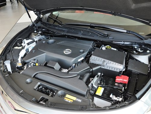 采用该发动机的新世代天籁燃油经济性大幅度提高,从工信部数据来看,该