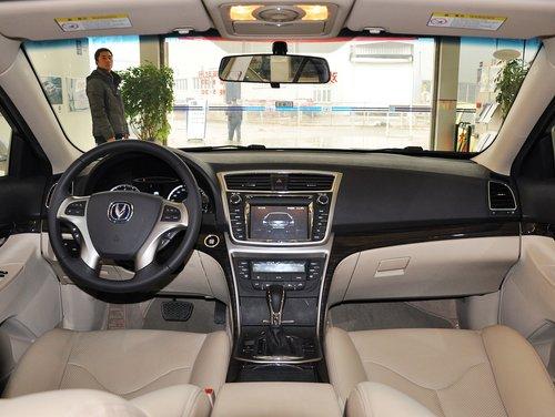 长安乘用车  1.8T 自动 中控台整体