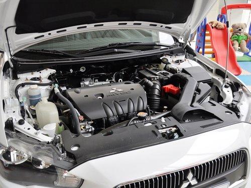东南三菱  1.8L CVT 发动机主体特写
