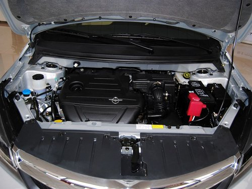 海马汽车  海马M3 1.5L MT 发动机局部特写