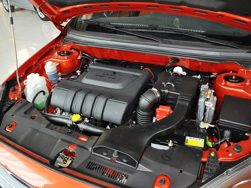东南汽车  1.5L CVT 发动机主体特写