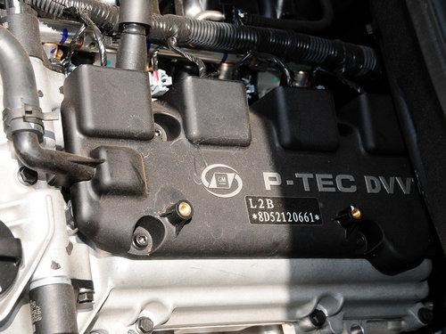上汽通用五菱  S 1.5L 手动