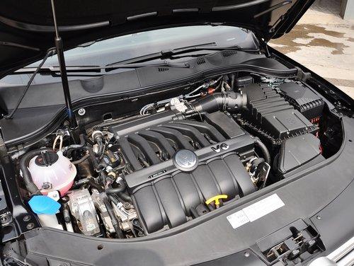 一汽-大众  3.0FSI DSG 发动机主体特写