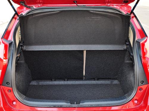 致炫的后备箱的的容积为326l , 这样的空间算是出众了.