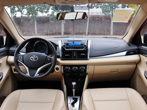一汽丰田  1.5L 自动 中控台整体