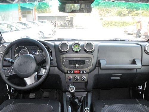 北京汽车  2.4L 手动 中控台整体