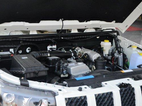 北京汽车  2.4L 手动 发动机主体特写