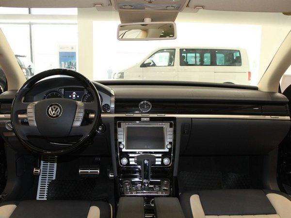 大众(进口)  W12 6.0L 中控台整体