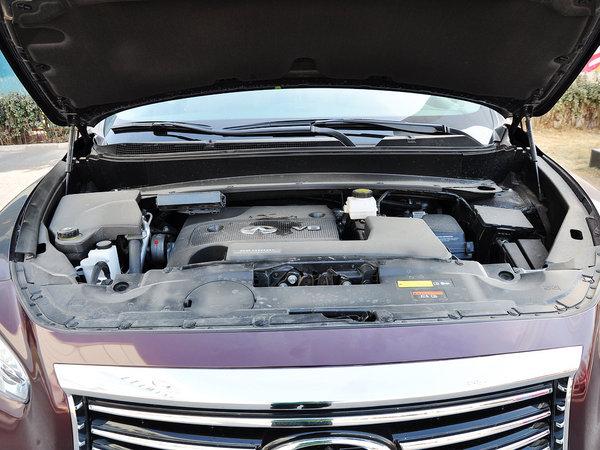 英菲尼迪  3.5L CVT 发动机局部特写