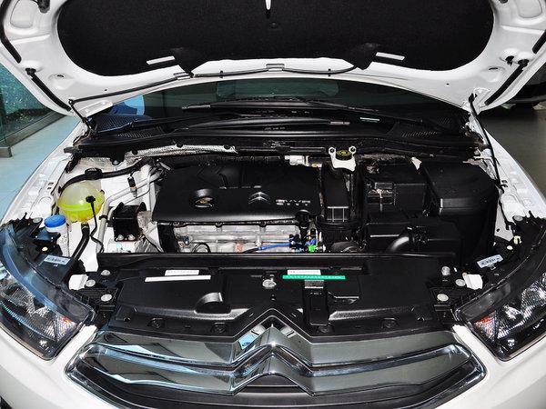 东风雪铁龙  两厢 1.6L 手动 发动机主体特写