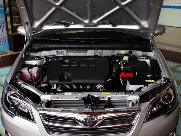 一汽丰田  1.6L 自动 发动机局部特写