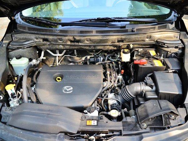 一汽马自达  2.5 自动 发动机局部特写