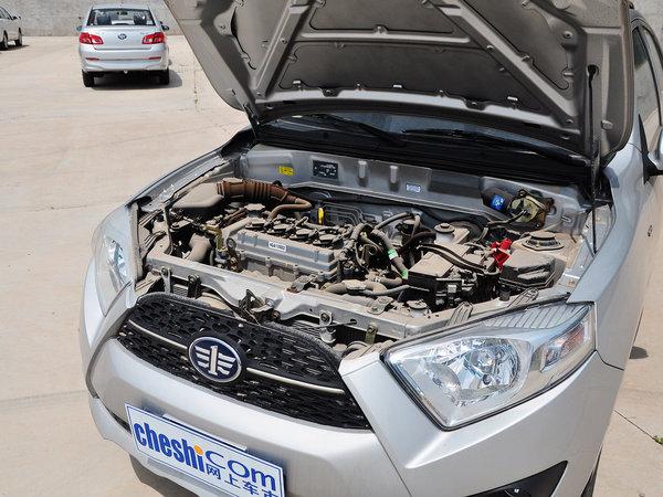 天津一汽  1.3L 手动 发动机主体特写