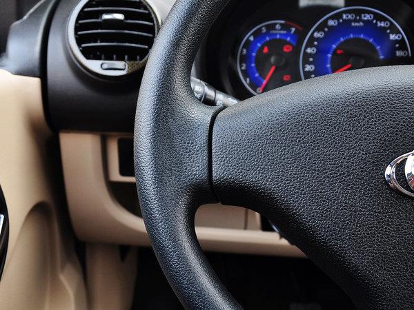 吉利汽车  1.3L 手动 方向盘左侧
