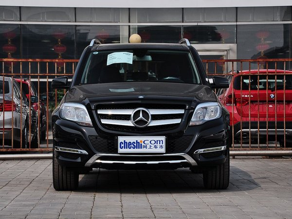 北京奔驰  GLK300 3.0L 自动 车头正面视角
