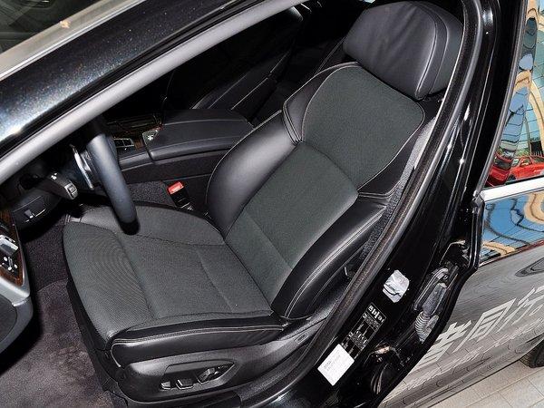 华晨宝马  535Li 驾驶席座椅前45度视图