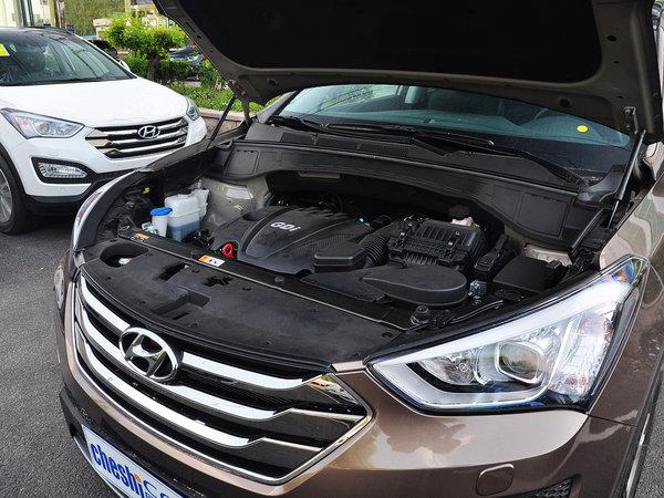 北京现代  2.4L 自动 发动机主体特写