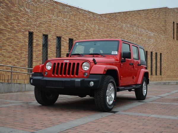 Jeep  3.0L 自动 车辆左前45度视角