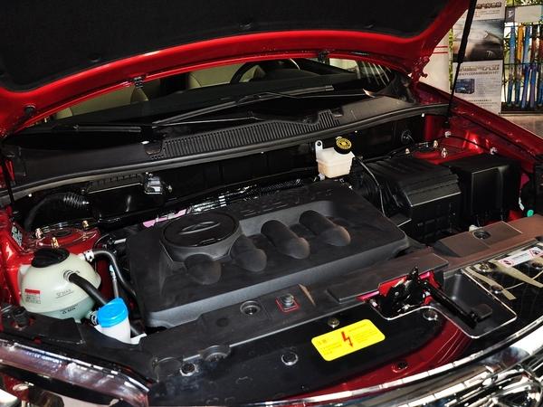 奇瑞汽车  2.0L 手动 发动机主体特写