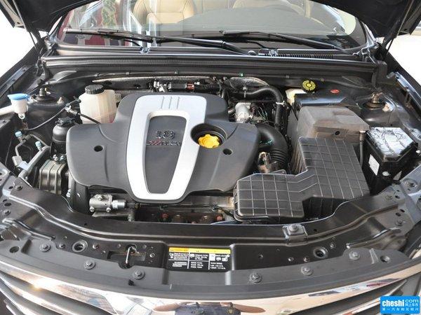 上汽荣威  550S 1.8L 自动 发动机局部特写