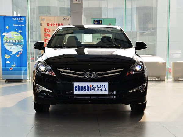 北京现代  三厢 1.4L 自动 正前
