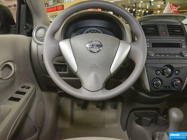 东风日产  1.5XE 手动 驻车制动器