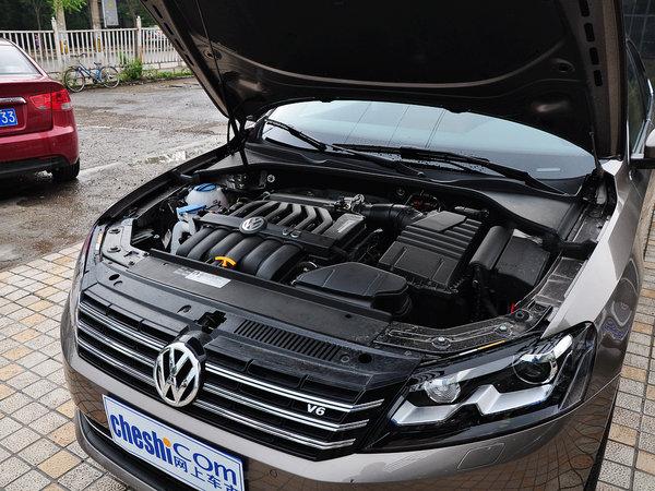 上海大众  3.0L V6 DSG 发动机主体特写
