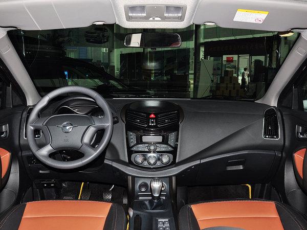 海马汽车  1.6L 手动 中控台整体