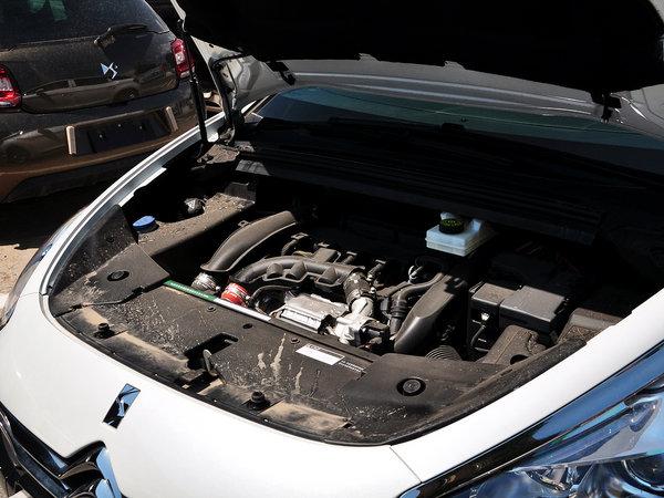 长安PSA  1.6T 自动 发动机主体特写