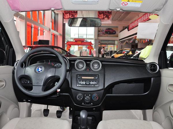 东风日产-启辰  1.2L 手动 中控台整体