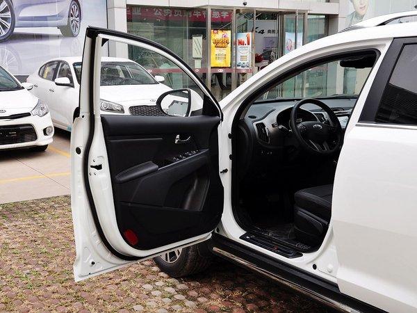 东风悦达起亚  2.0L 自动 左前车门45度视角