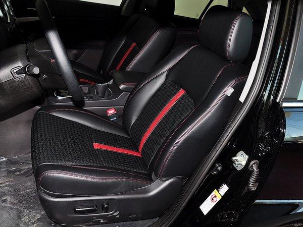 比亚迪  2.0T 自动 驾驶席座椅前45度视图