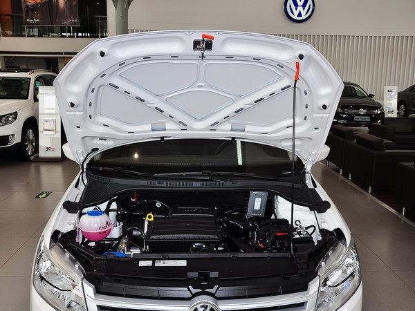 上汽大众  1.4L 自动 发动机标识