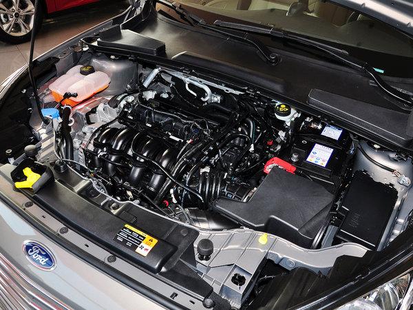 长安福特  1.5L 手动 发动机主体特写