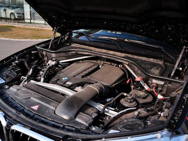 宝马(进口)  xDrive35i 发动机主体特写