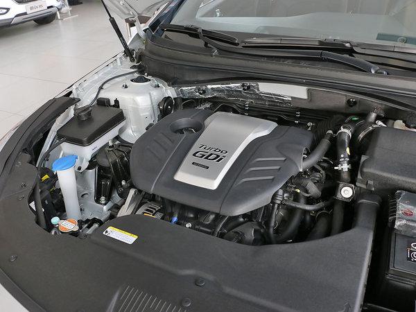 北京现代  2.4L 发动机主体特写