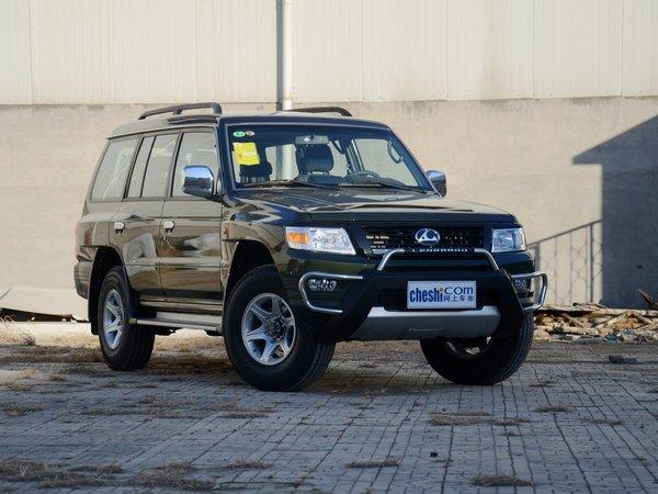 猎豹汽车  2.4L 手动 车辆右侧45度角