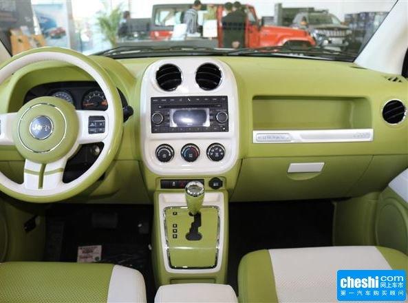 Jeep  2.0L 自动 大中控全景