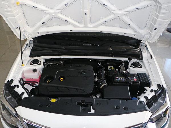 长安乘用车  1.4L 手动 发动机舱