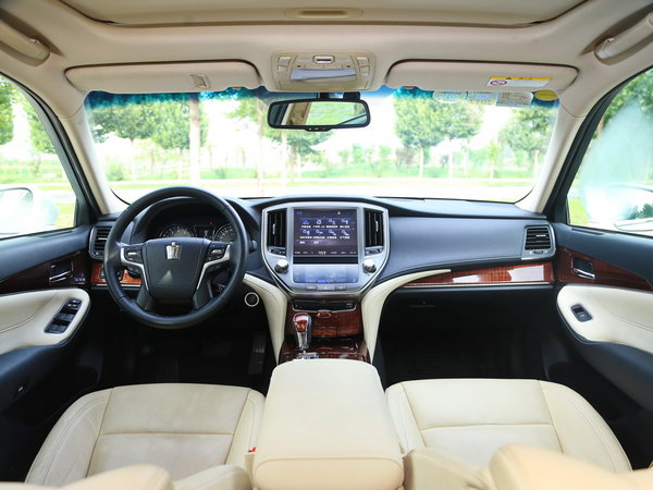 一汽丰田  2.0T 自动 大中控全景