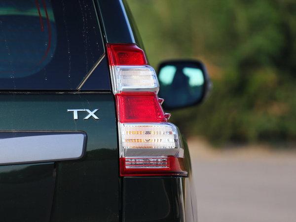 一汽丰田  2.7L 自动 右后尾灯