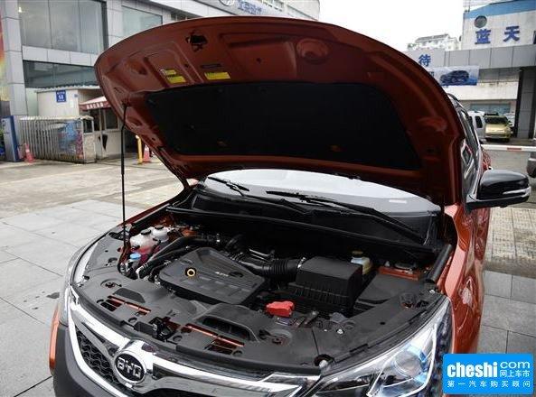 比亚迪  2.0TID 自动 车辆发动机舱整体